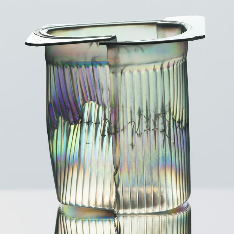 Eclat plastique I, Photograph, Ink jet on aluminium, 90x90cm, 2011-2013, Edition 3/5, 3'200.- CHF