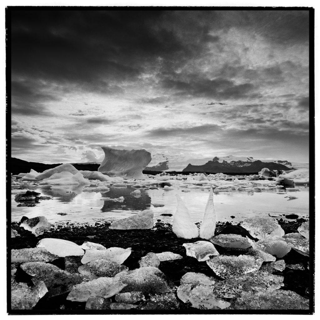 Photograph, Baryté Fine Art, Iceland, 2008, Edition 4/8, 40x40cm, 2'000.- CHF, 1x1m, 3'000.- CHF